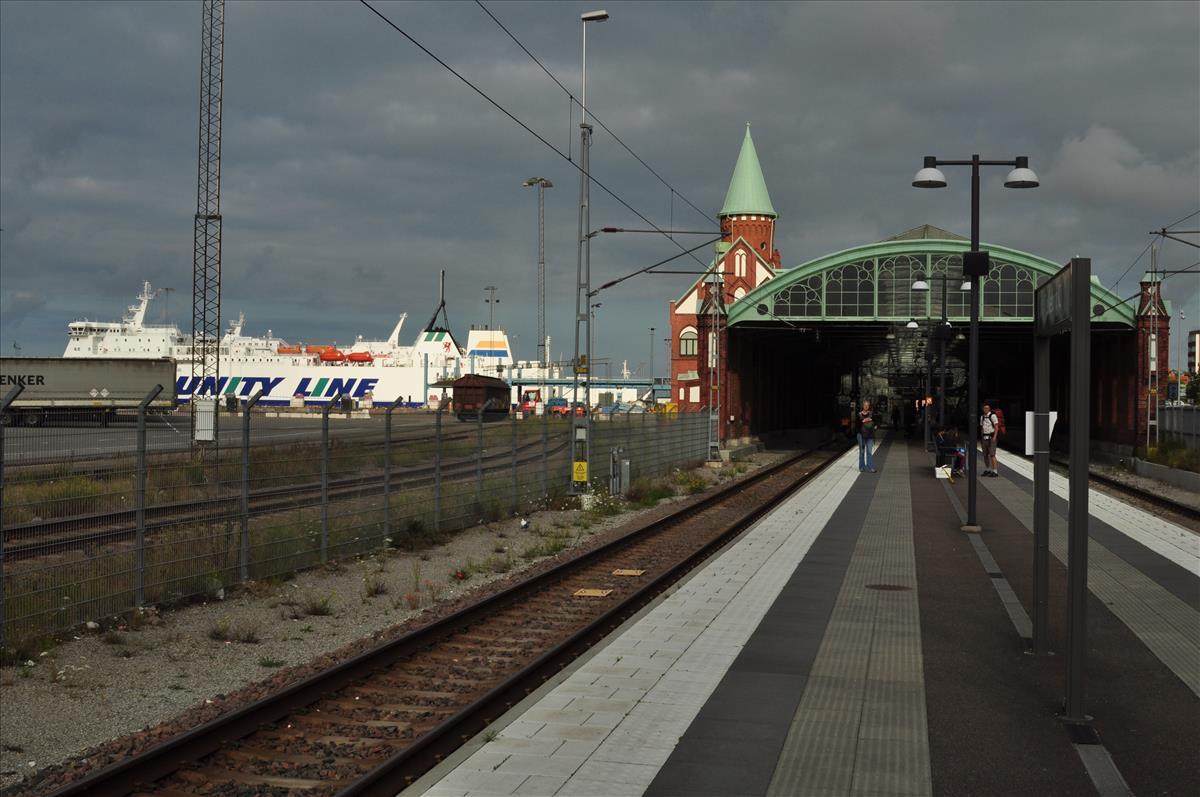 http://www.stifter-mauth.de/bahn/wp-content/uploads/fotos/schweden/2019/002_20190805_Bahnsteighalle_Trelleborg.jpg