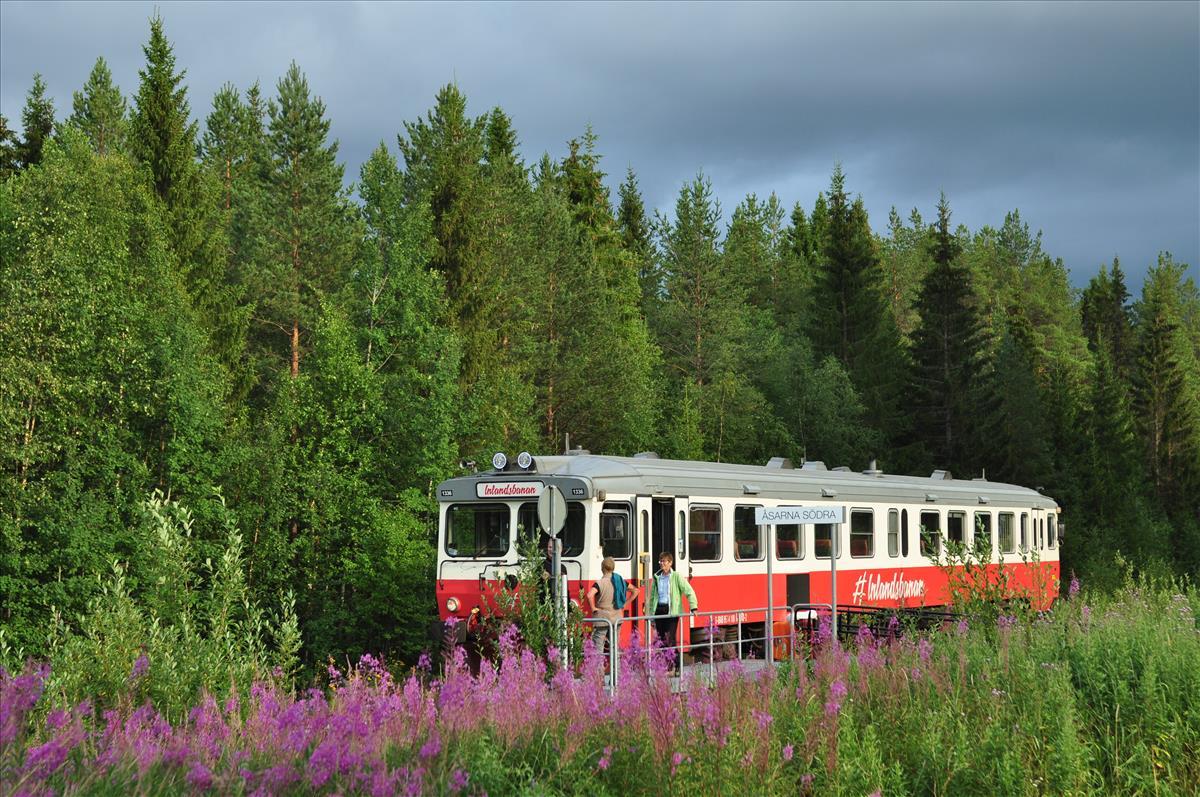 http://www.stifter-mauth.de/bahn/wp-content/uploads/fotos/schweden/2019/065_20190808_Inlandsbahn_Tw1336_Aasarna_Soedra.jpg