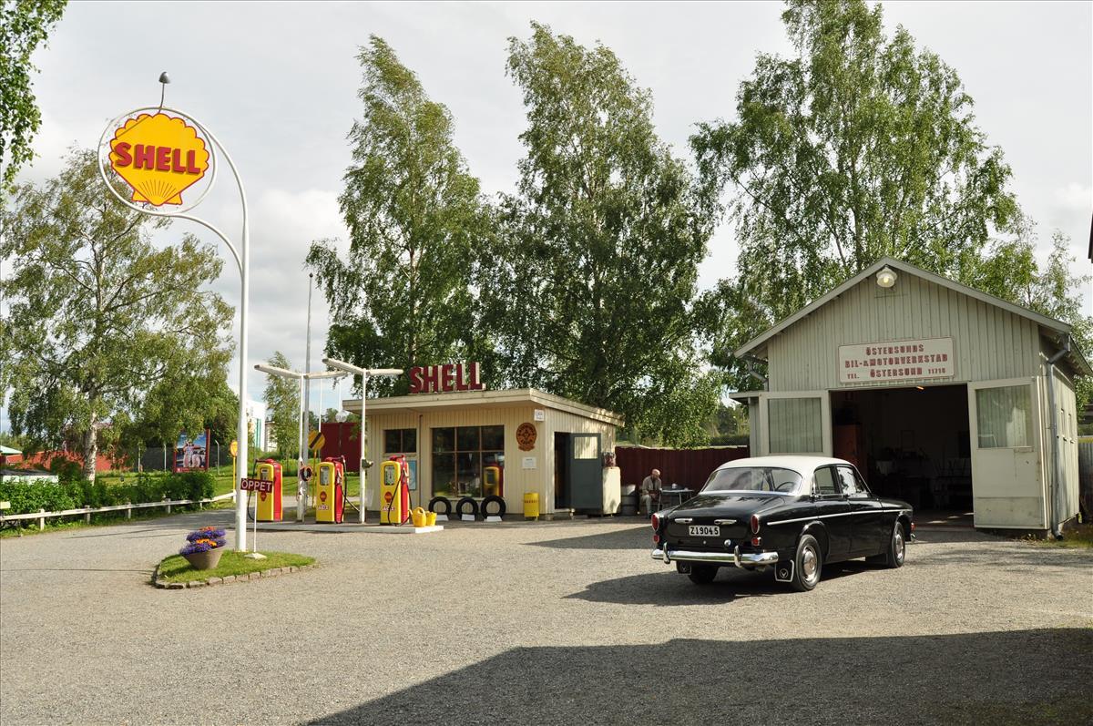 http://www.stifter-mauth.de/bahn/wp-content/uploads/fotos/schweden/2019/073_20190810_Jamtli_Tankstelle.jpg