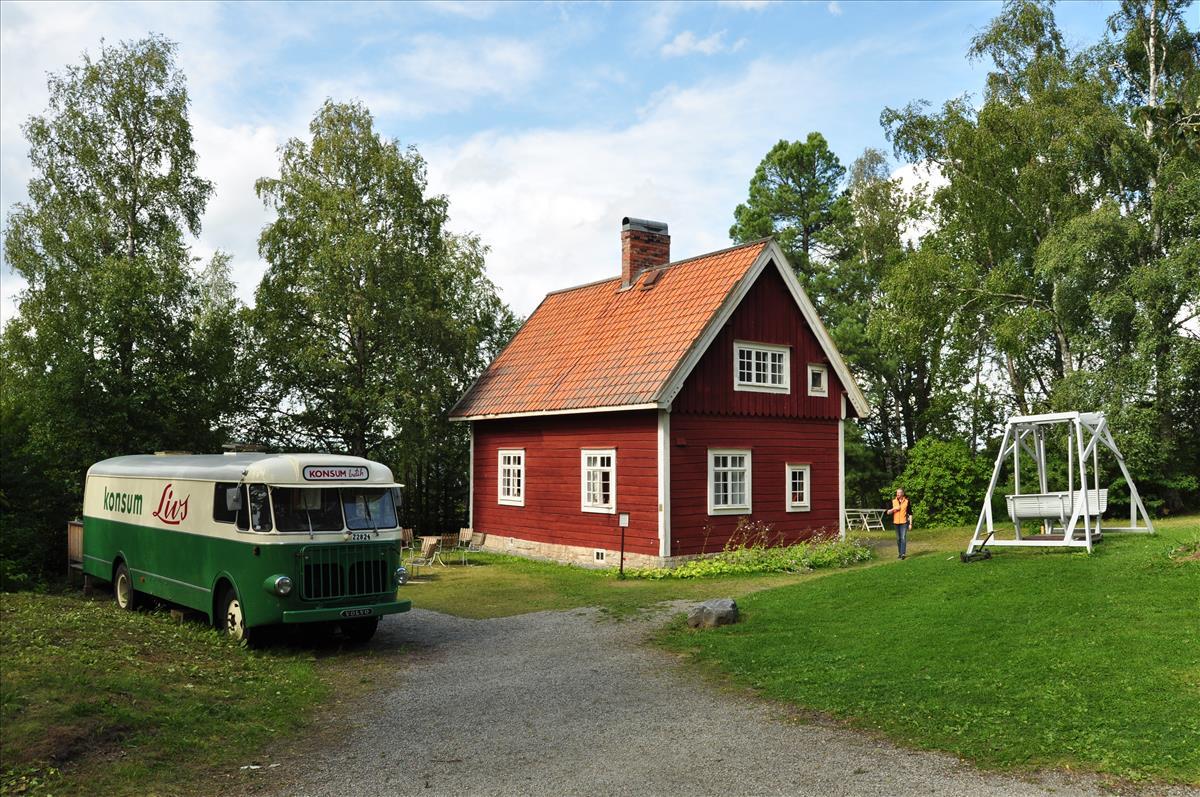http://www.stifter-mauth.de/bahn/wp-content/uploads/fotos/schweden/2019/075_20190810_Jamtli_Volvo_Verkaufsbus.jpg