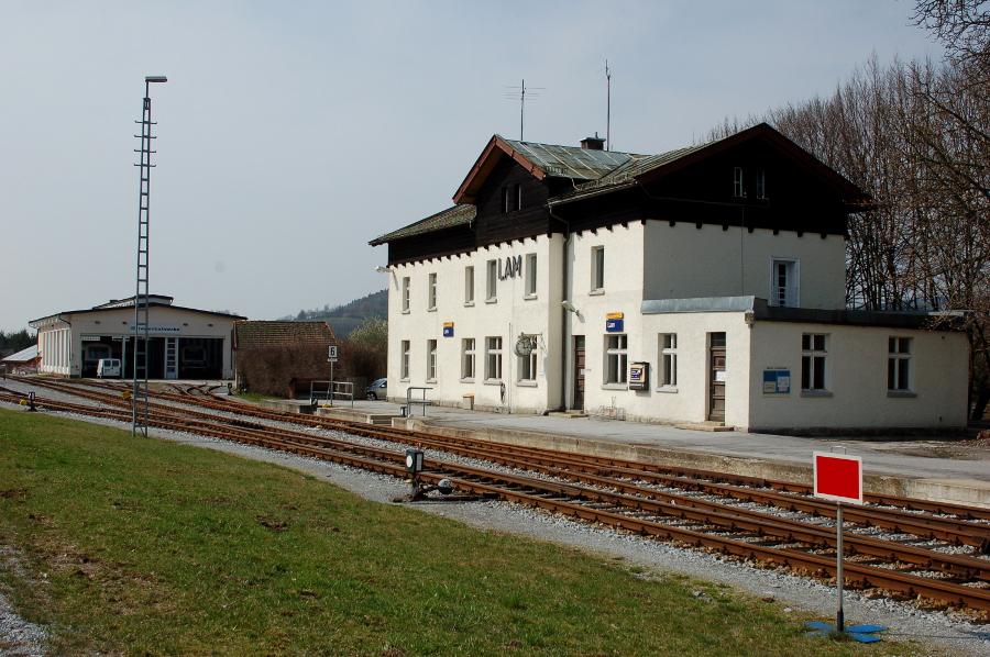 Bahnhof Lam